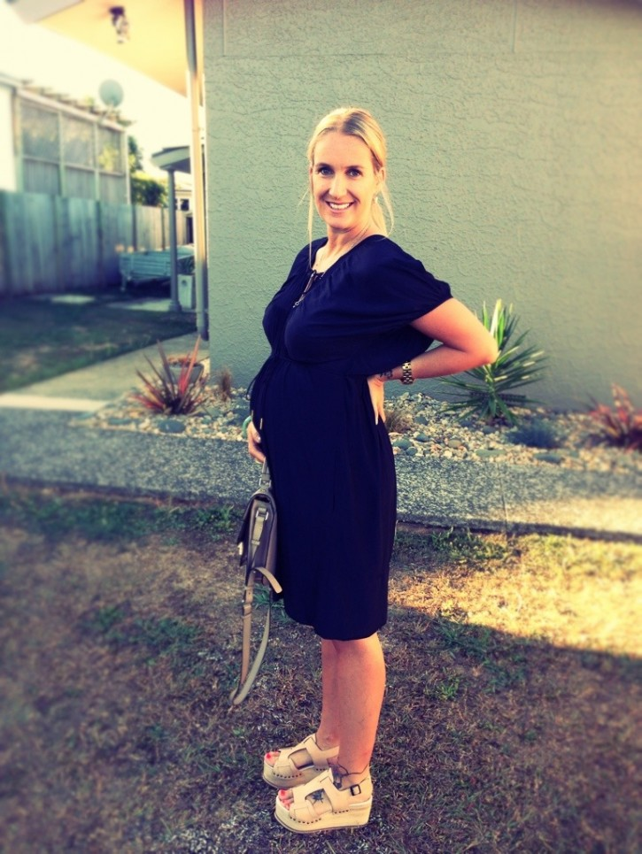 Black_pregnancy_dress