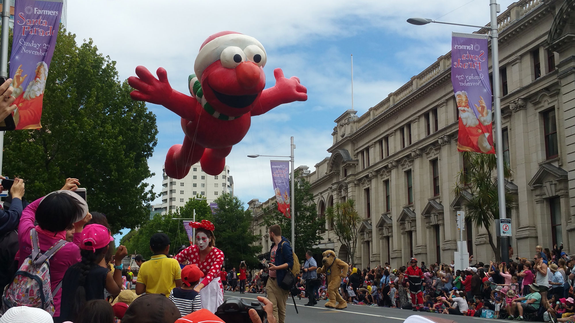 New Zealand's Top Mummy Blogger Parenting Travel Blog Family Summer mum Santa Parade