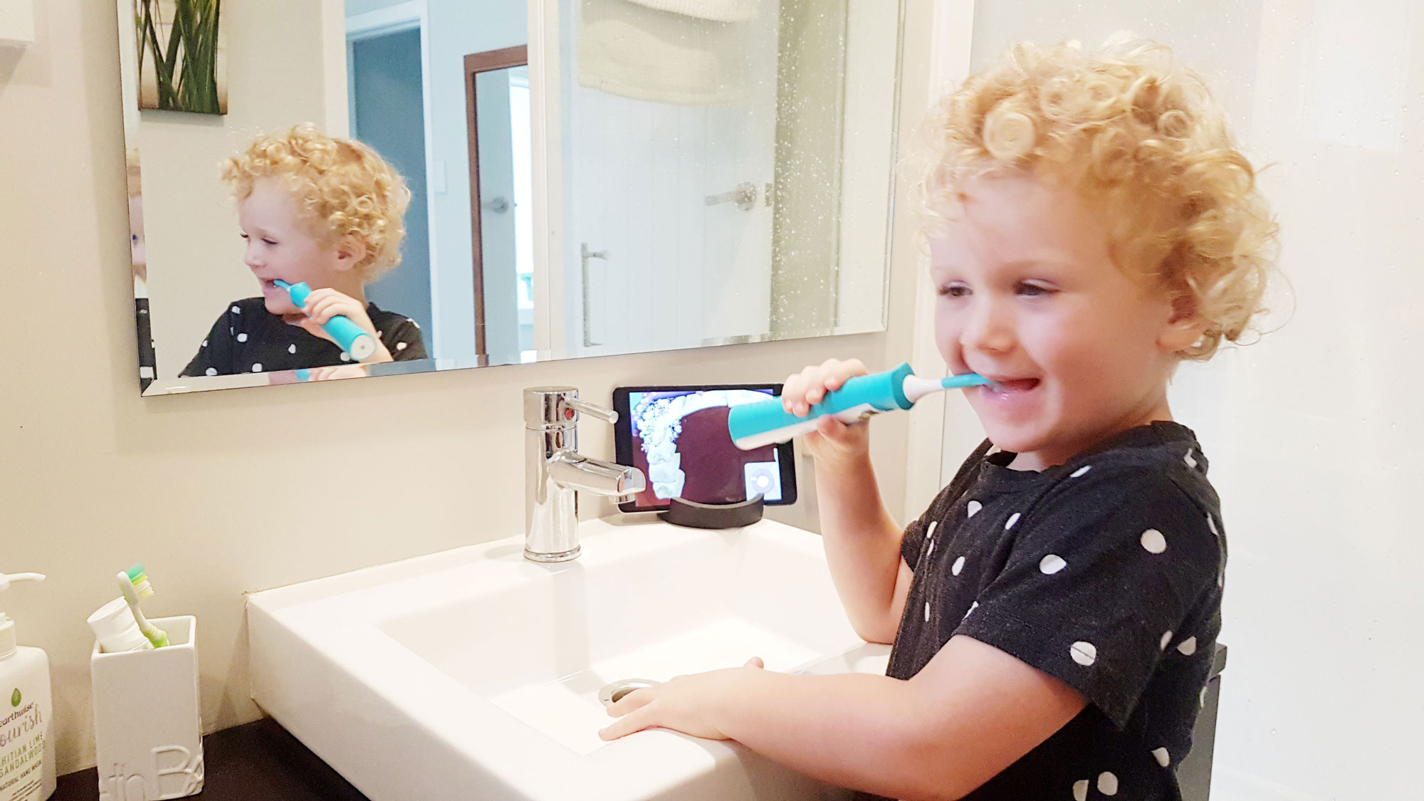 New Zealand's Top Mummy Blogger Parenting Travel Blog Sonicare Toothbrush